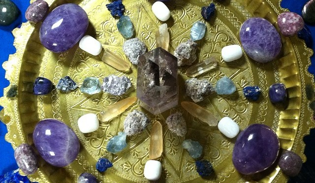 Rock Life: Tiered Crystal Stone Grid