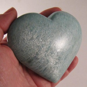 Click the photo to see amazonite at etemetaphysical.com.